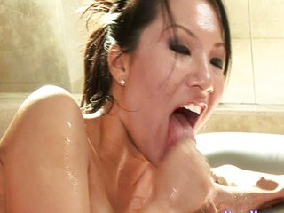 Sexy Asian Asa is a blowjob..